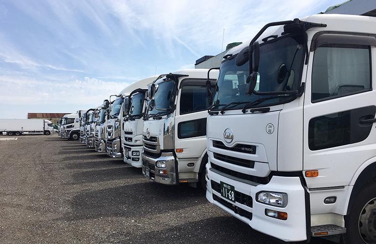 新潟県屈指の輸送力で、 大規模な依頼にも応えます。